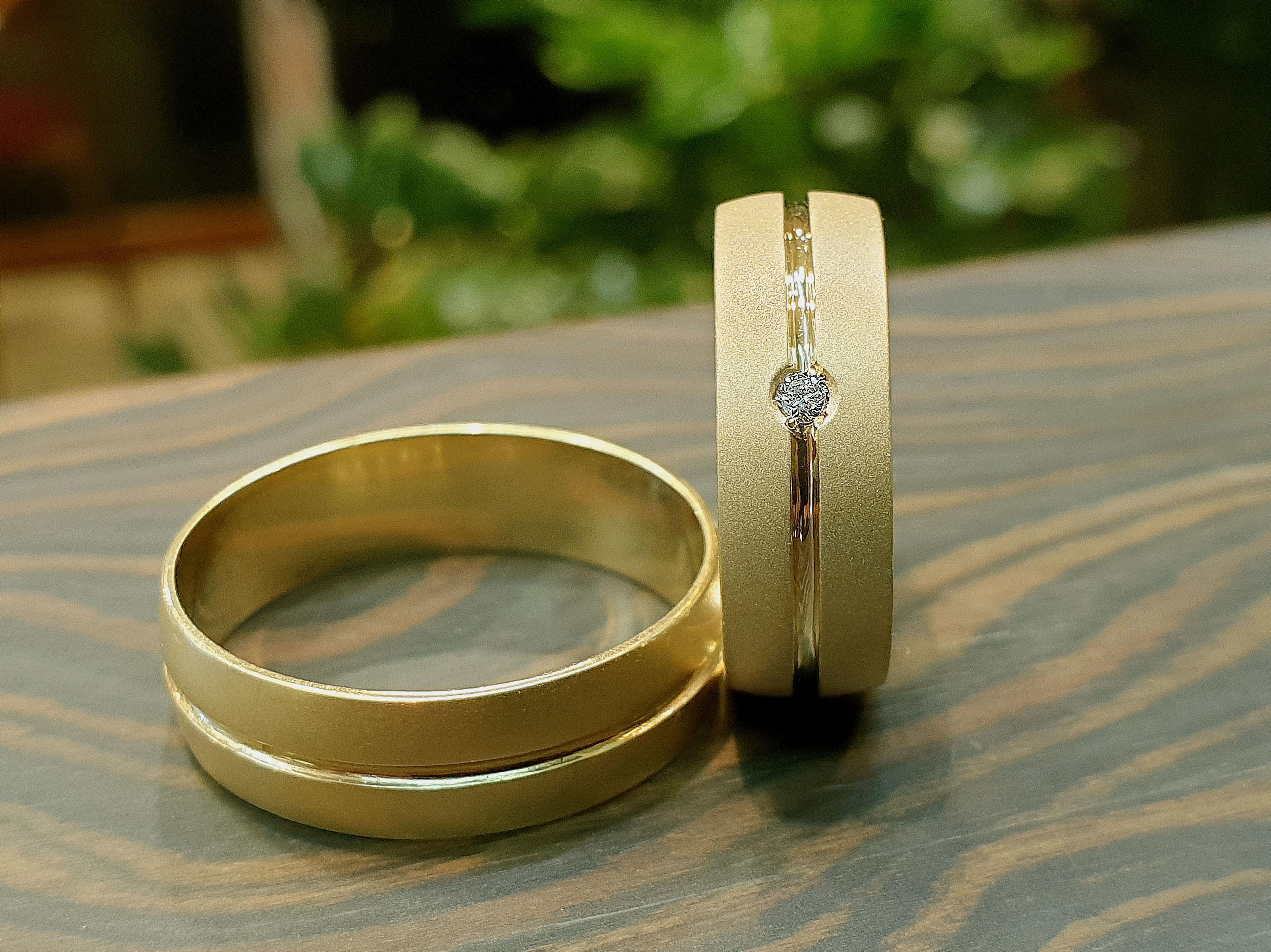 alianzas boda arenadas con diamante