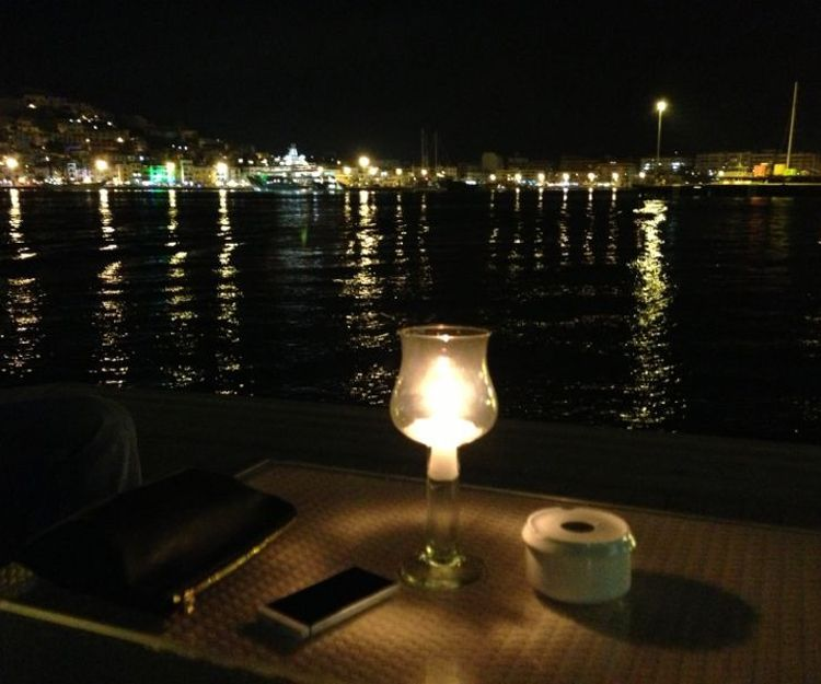 Salidas nocturnas en barco