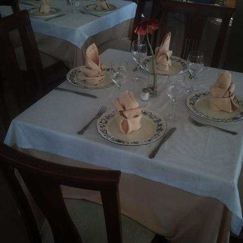 Detalle de mesa del comedor