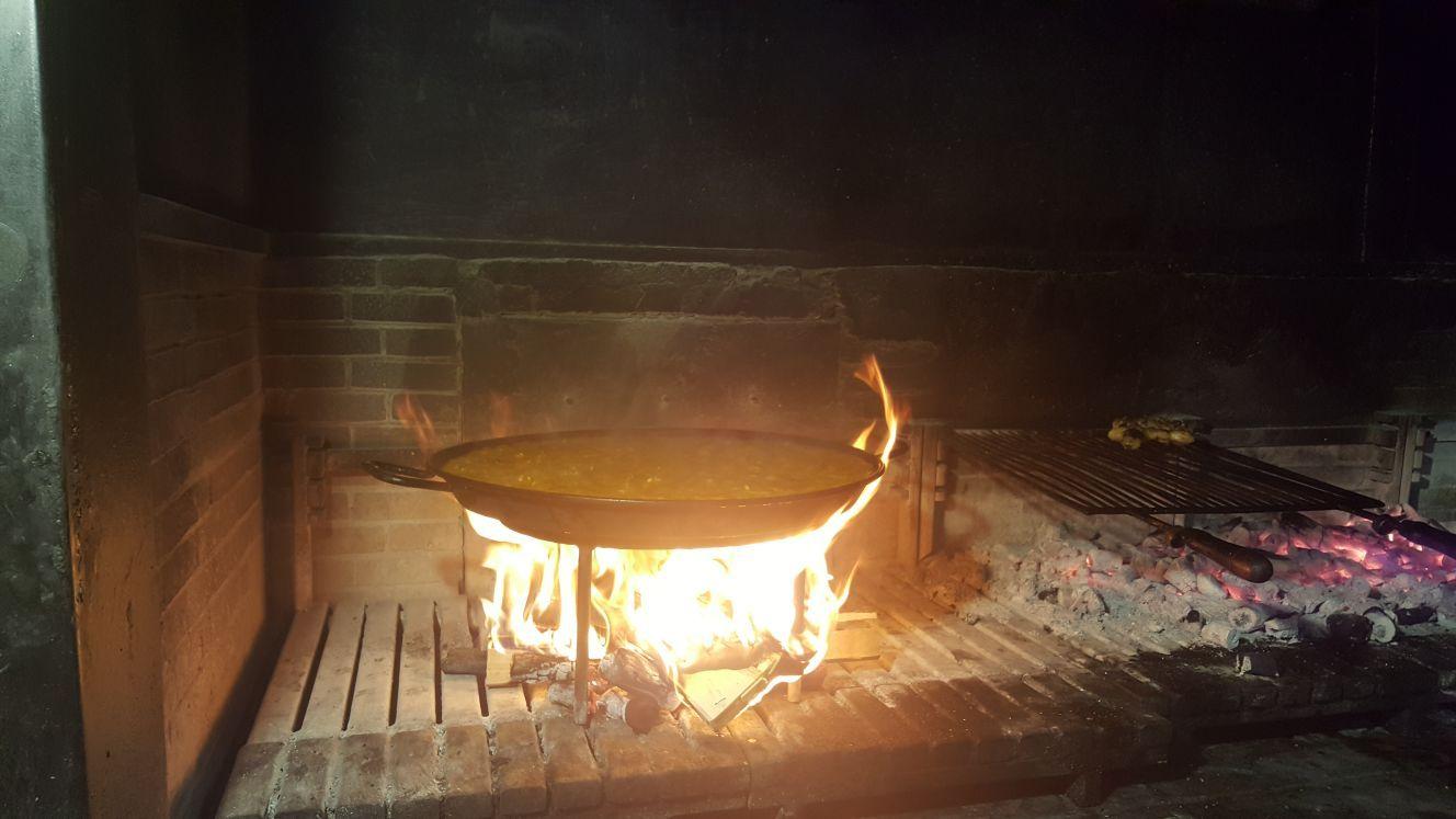 Paellas en horno de leña: Nuestras especialidades de El Caliu Brasería Restaurante