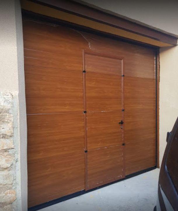 Foto 5 de Fabricación e instalación de puertas automáticas en Zaragoza | John APM