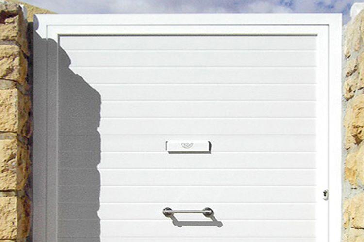 Montaje de puertas de garaje en Zaragoza