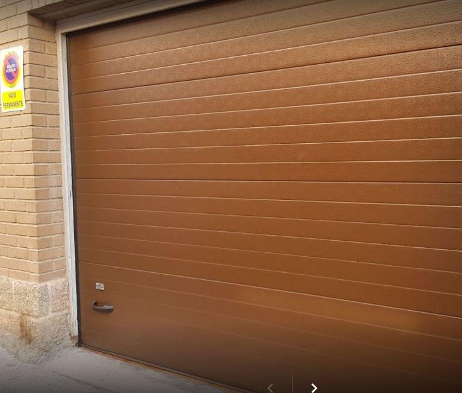 Foto 1 de Fabricación e instalación de puertas automáticas en Zaragoza | John APM
