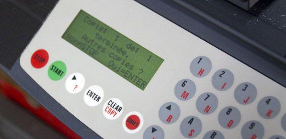 Cerraduras de contacto, botoneras y pulsadores: Servicios de John APM