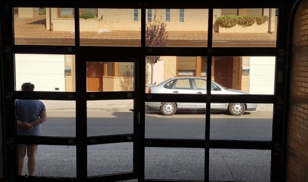 Foto 4 de Fabricación e instalación de puertas automáticas en Zaragoza | John APM