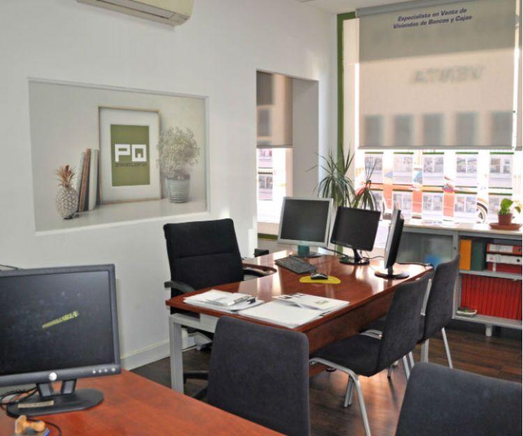 Oficina de la inmobiliaria en Ávila