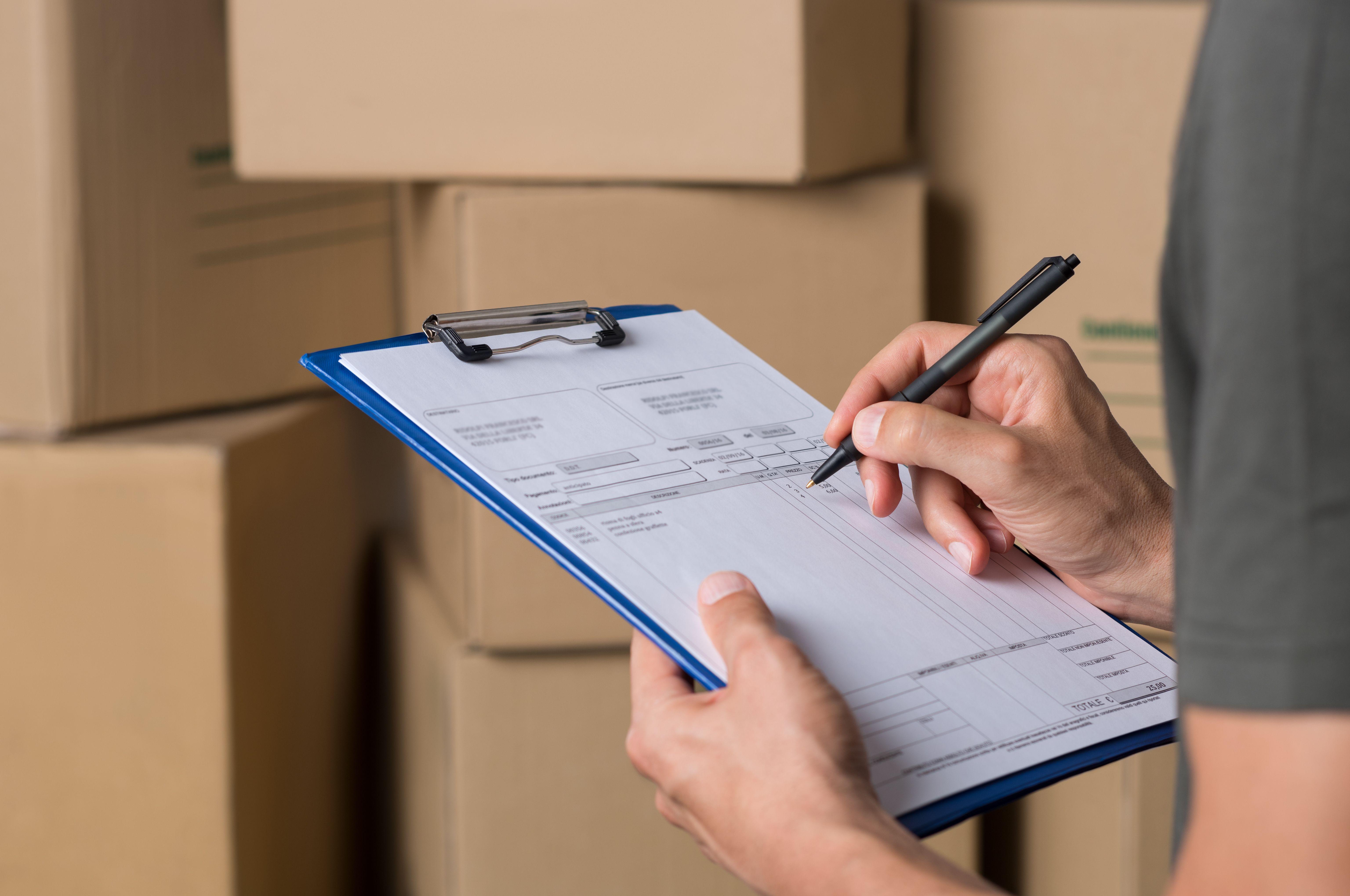 Departamento logístico: Servicios de Transporte y Paquetería Sánchez