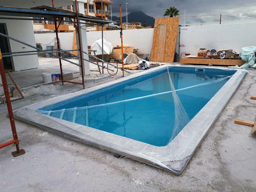 Construcción de piscina Callao Salvaje
