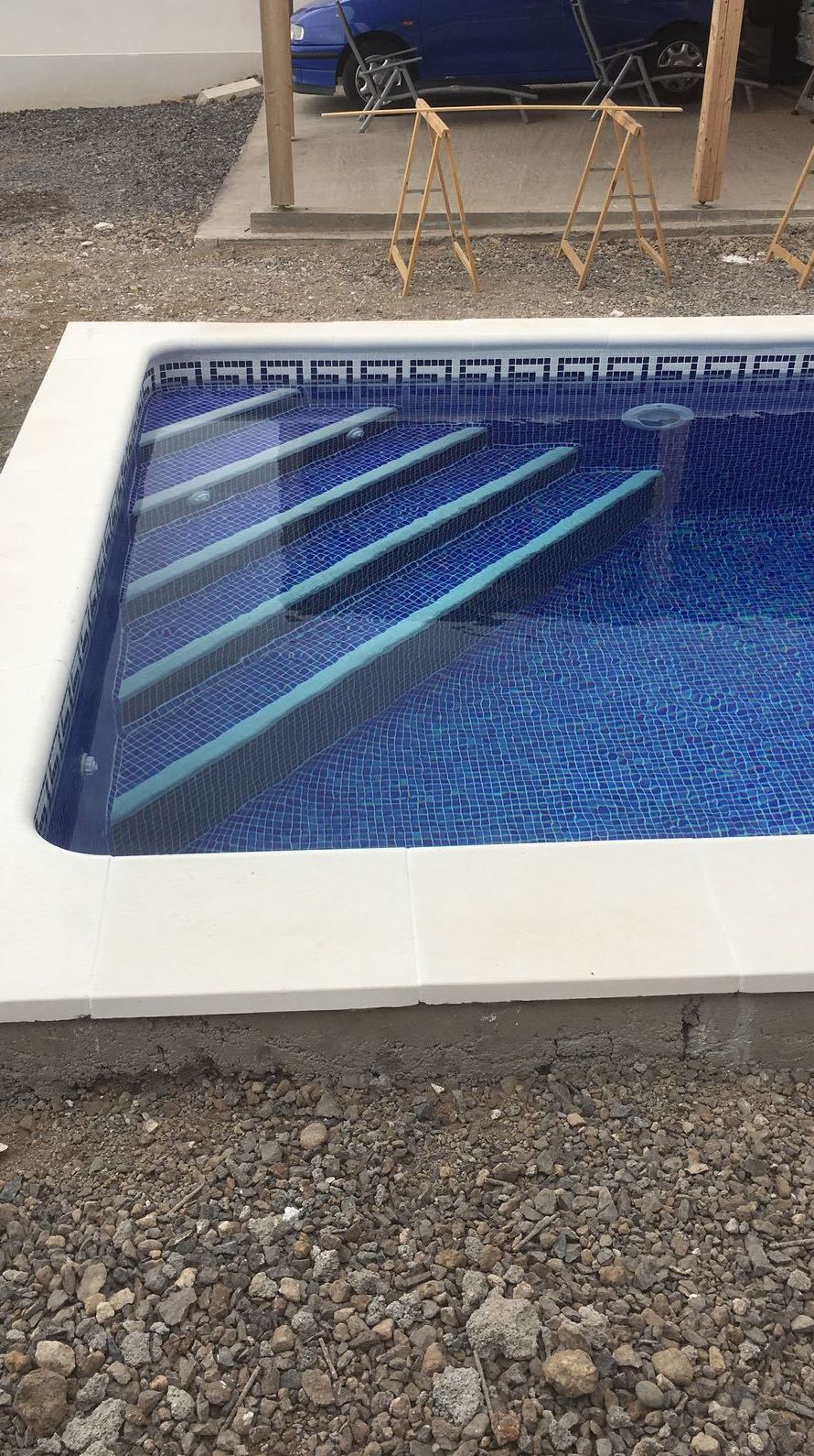 La construcción de una piscina en Armeñime