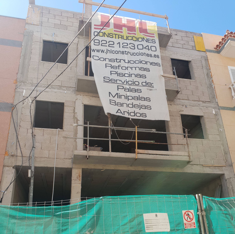 Obra dos viviendas en Playa de San Juan, llave en mano