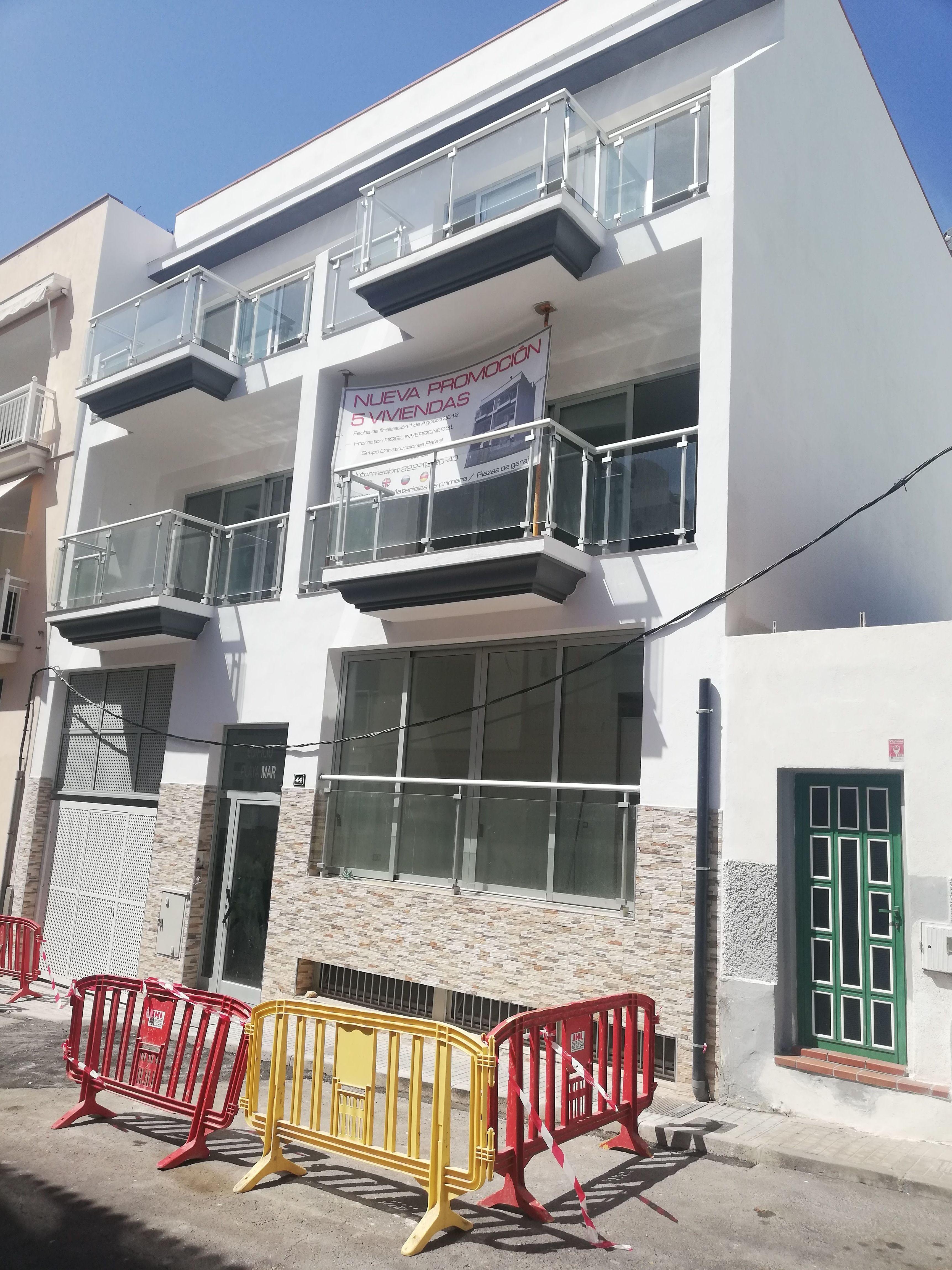 Edificio en Playa San Juan