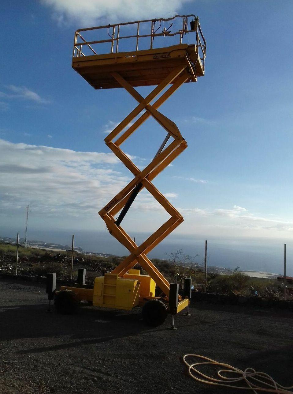 Disponemos de plataforma hasta 12 metros de altura
