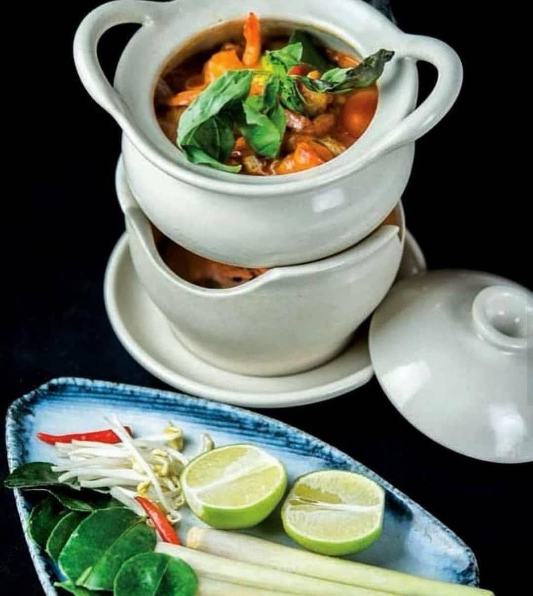 Gambones al curry rojo thai con verduras, Una propuesta contundente que os llevará directos hasta Asia y os reconfortará cuerpo y alma
