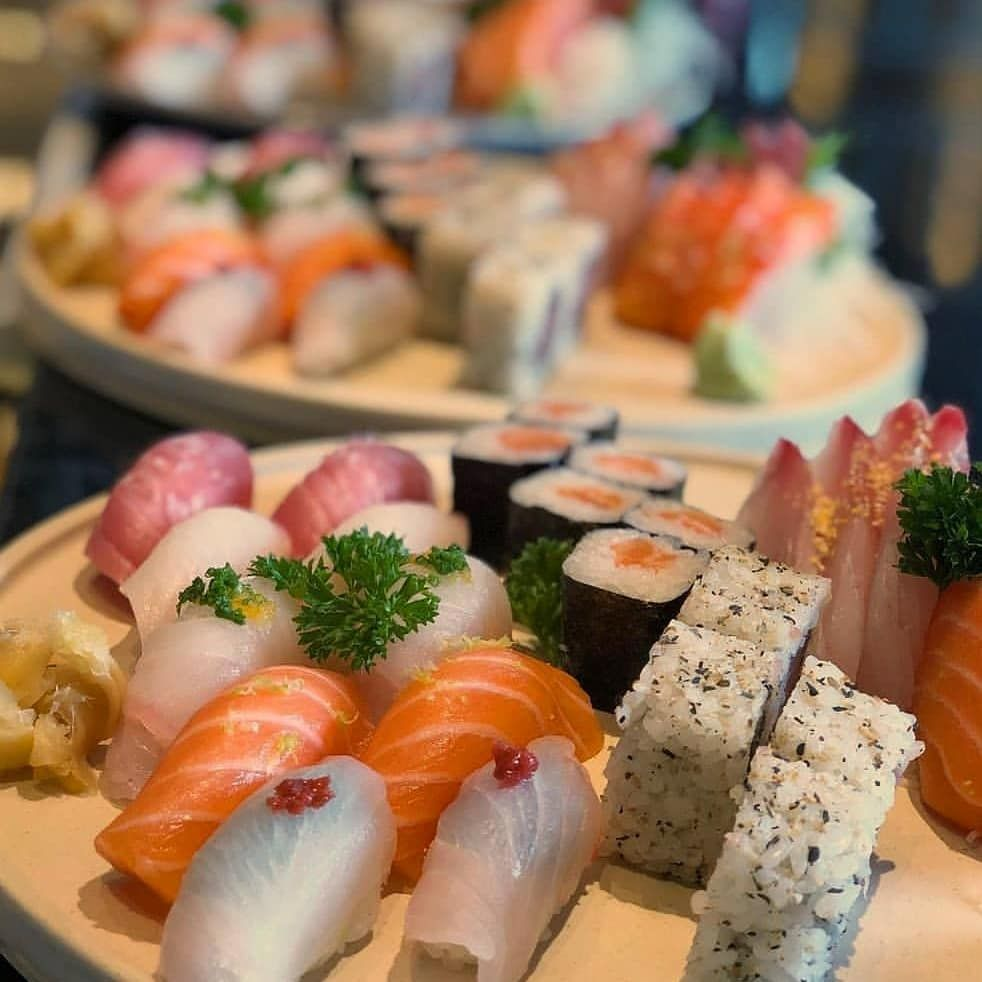 Moriawase de sushi y sashimi, clásico y delicioso
