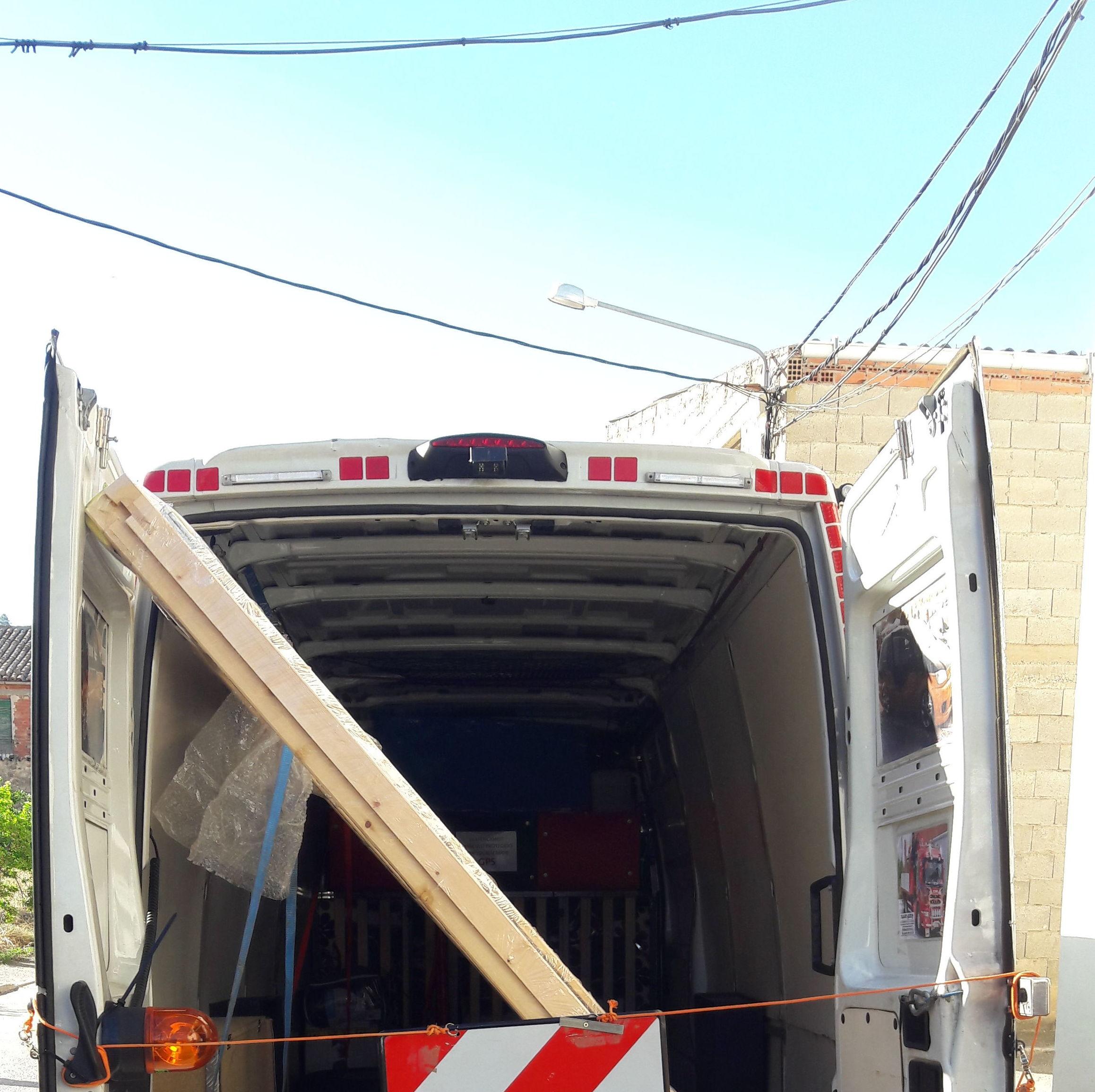Foto 68 de Transportes en El Prat de Llobregat | Transgodoy