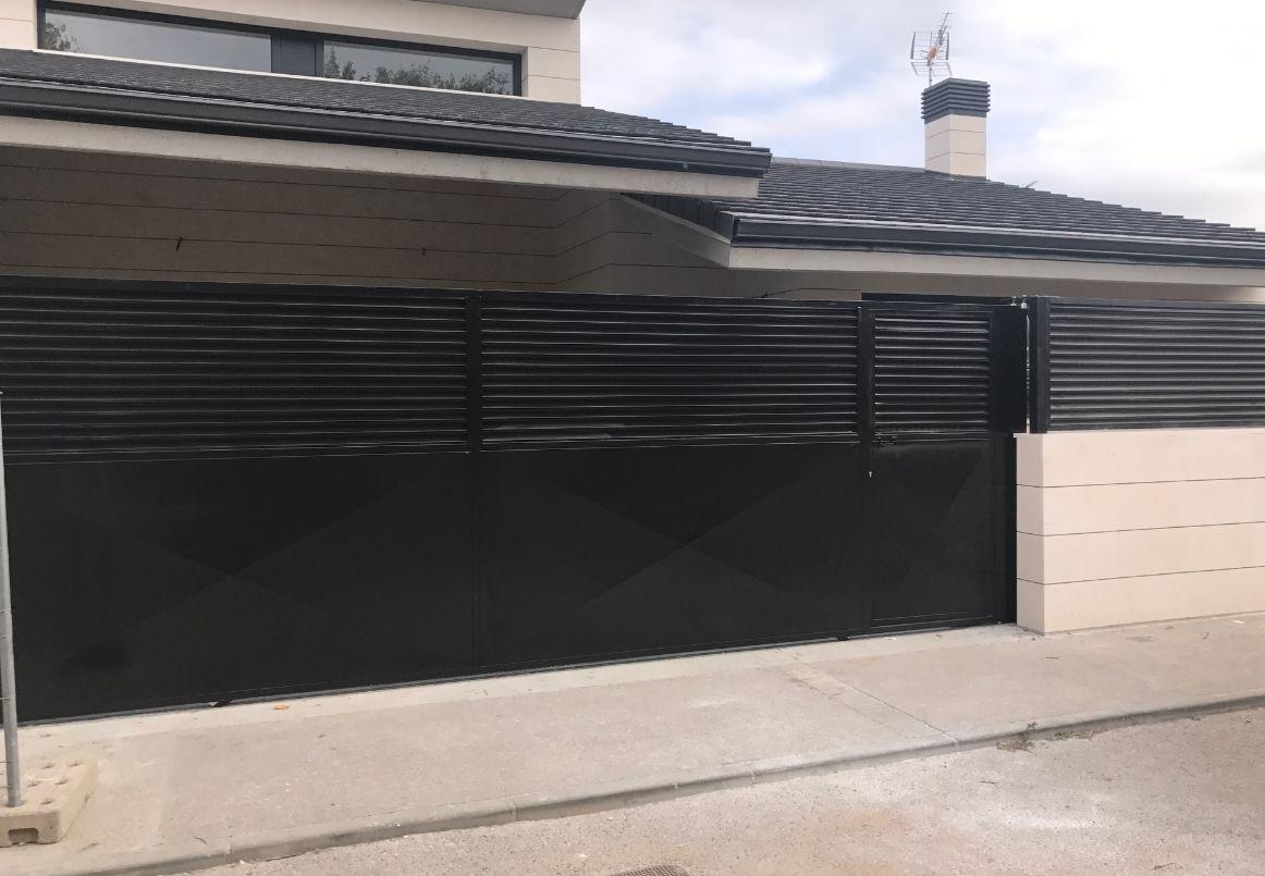 Puertas de garaje: Catálogo de Talleres López