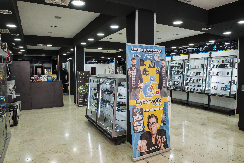 Foto 2 de Reparación y venta de móviles en Úbeda | Cyberworld Móviles