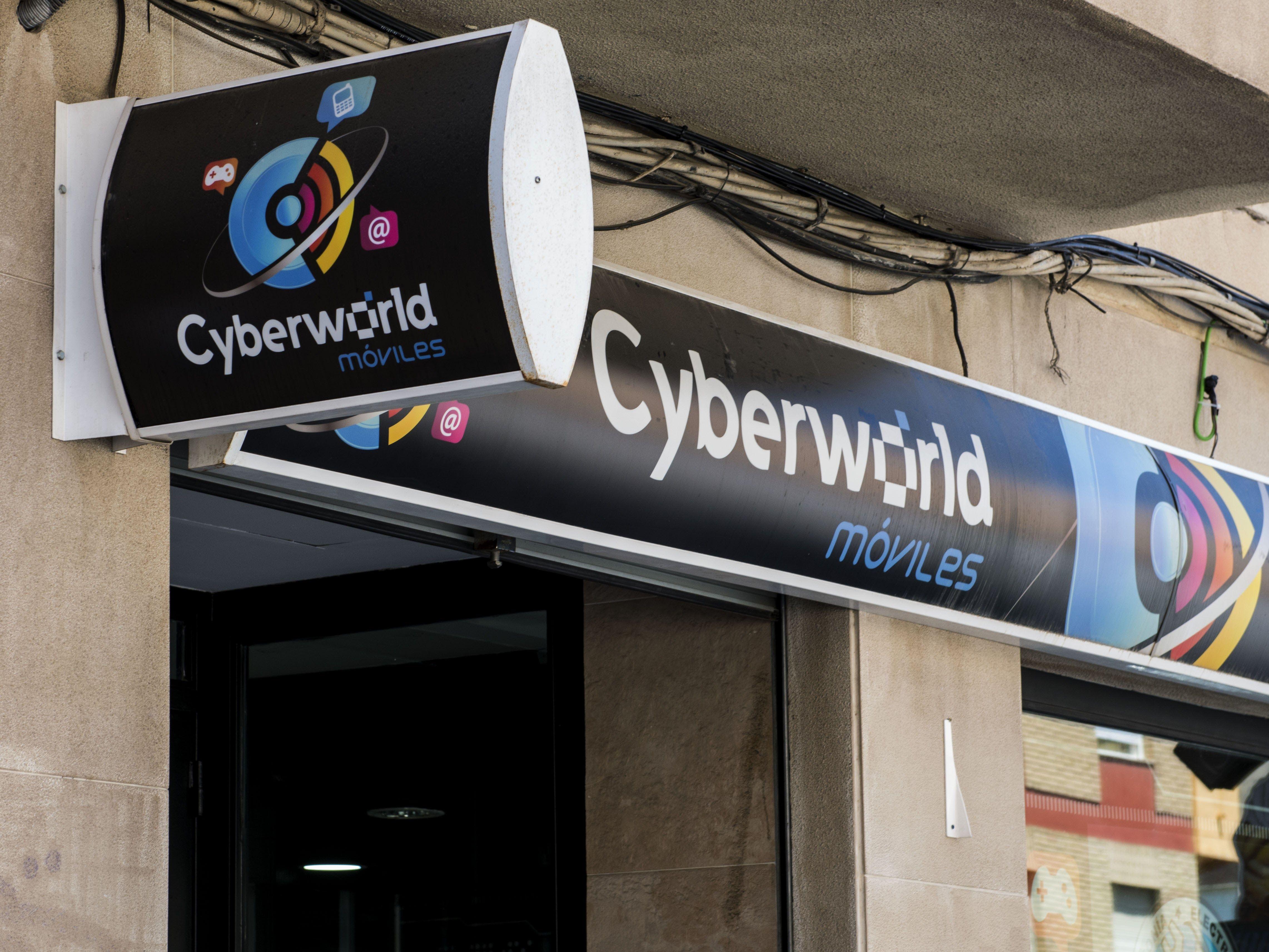 Foto 11 de Reparación y venta de móviles en Úbeda | Cyberworld Móviles