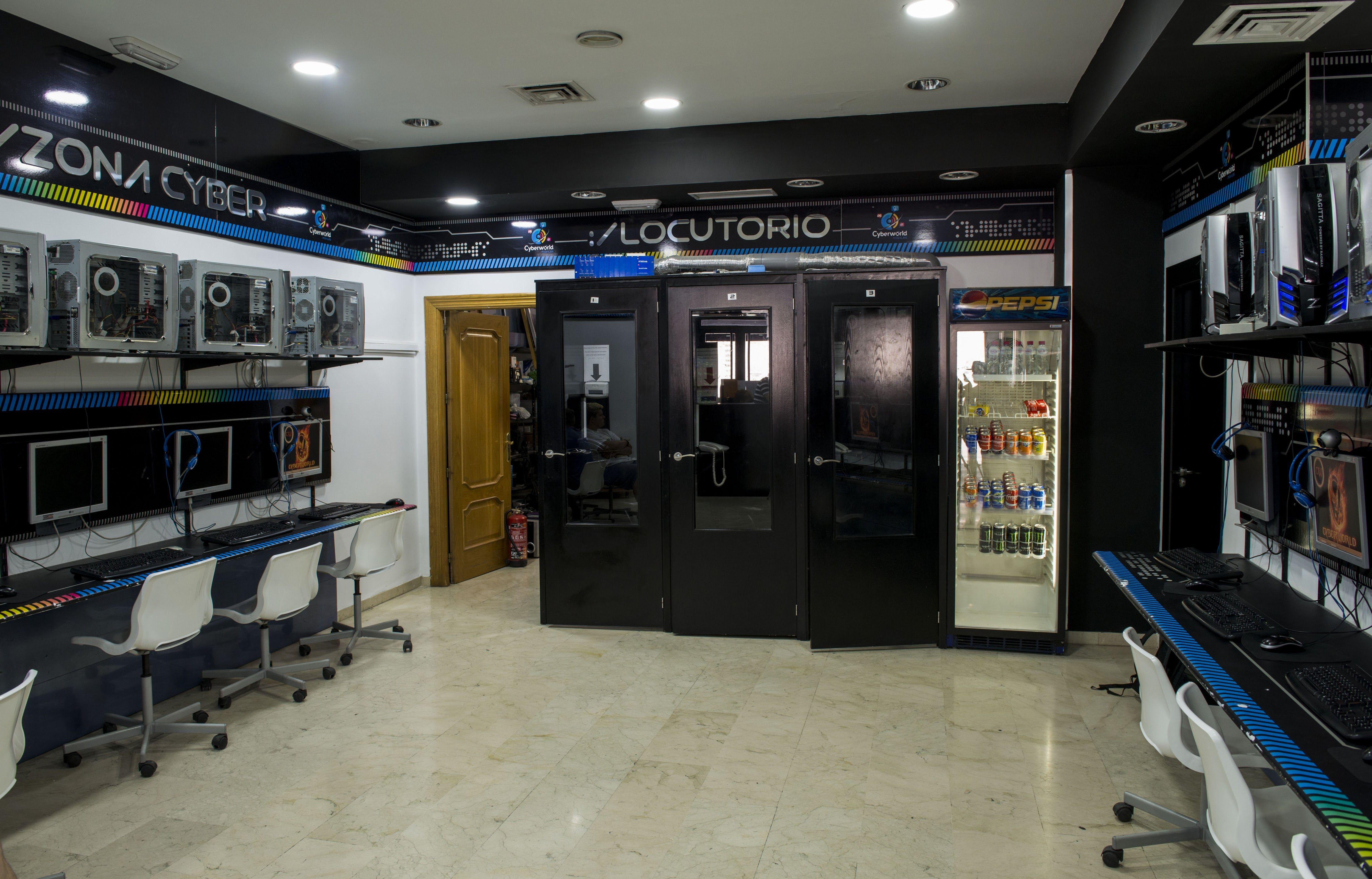 Foto 10 de Reparación y venta de móviles en Úbeda | Cyberworld Móviles
