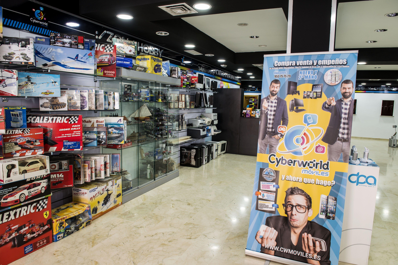 Foto 3 de Reparación y venta de móviles en Úbeda | Cyberworld Móviles