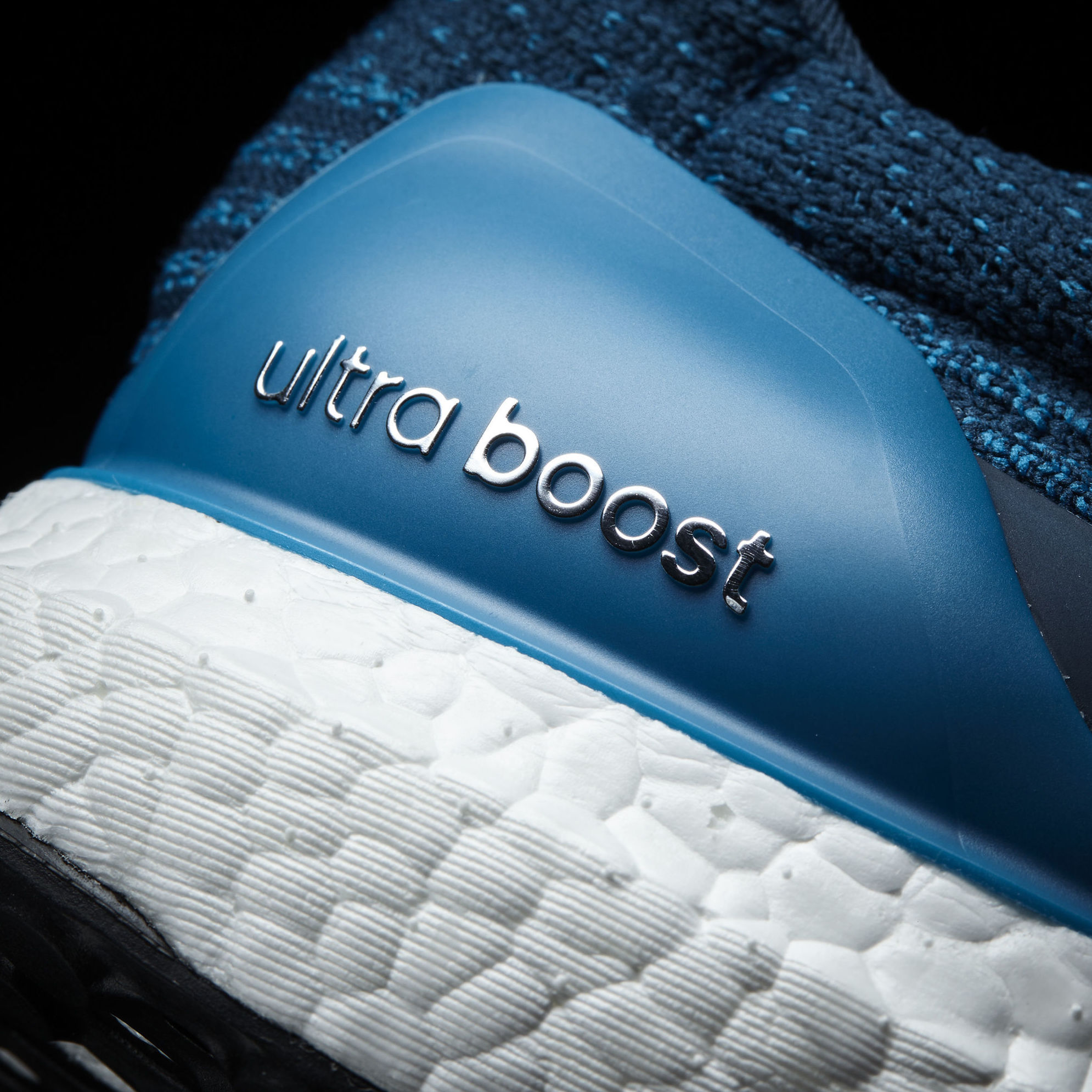 S82021 UltraBOOST