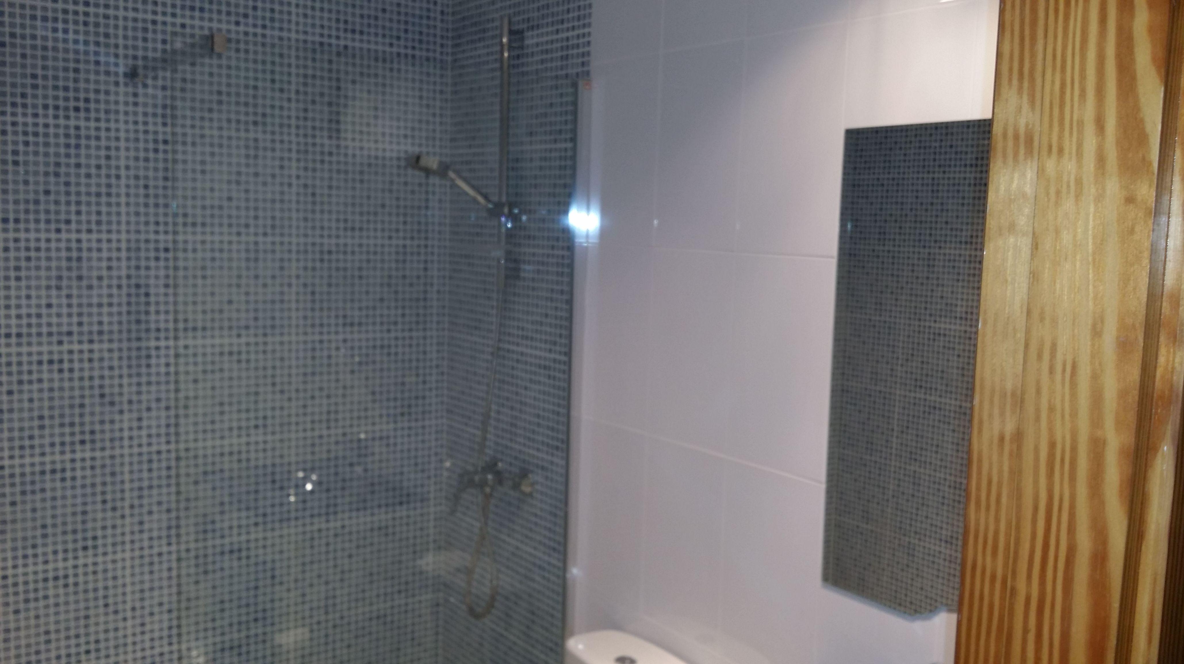 Reforma baño Baleares http://www.multiservicioscosesdecasa.es/es/