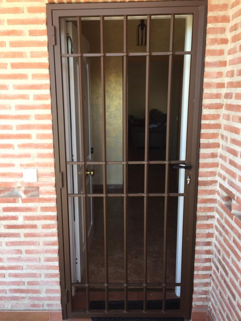 Foto 19 de Carpintería de aluminio, metálica y PVC en Escalona del Alberche | Hierros Y Aluminios Torres