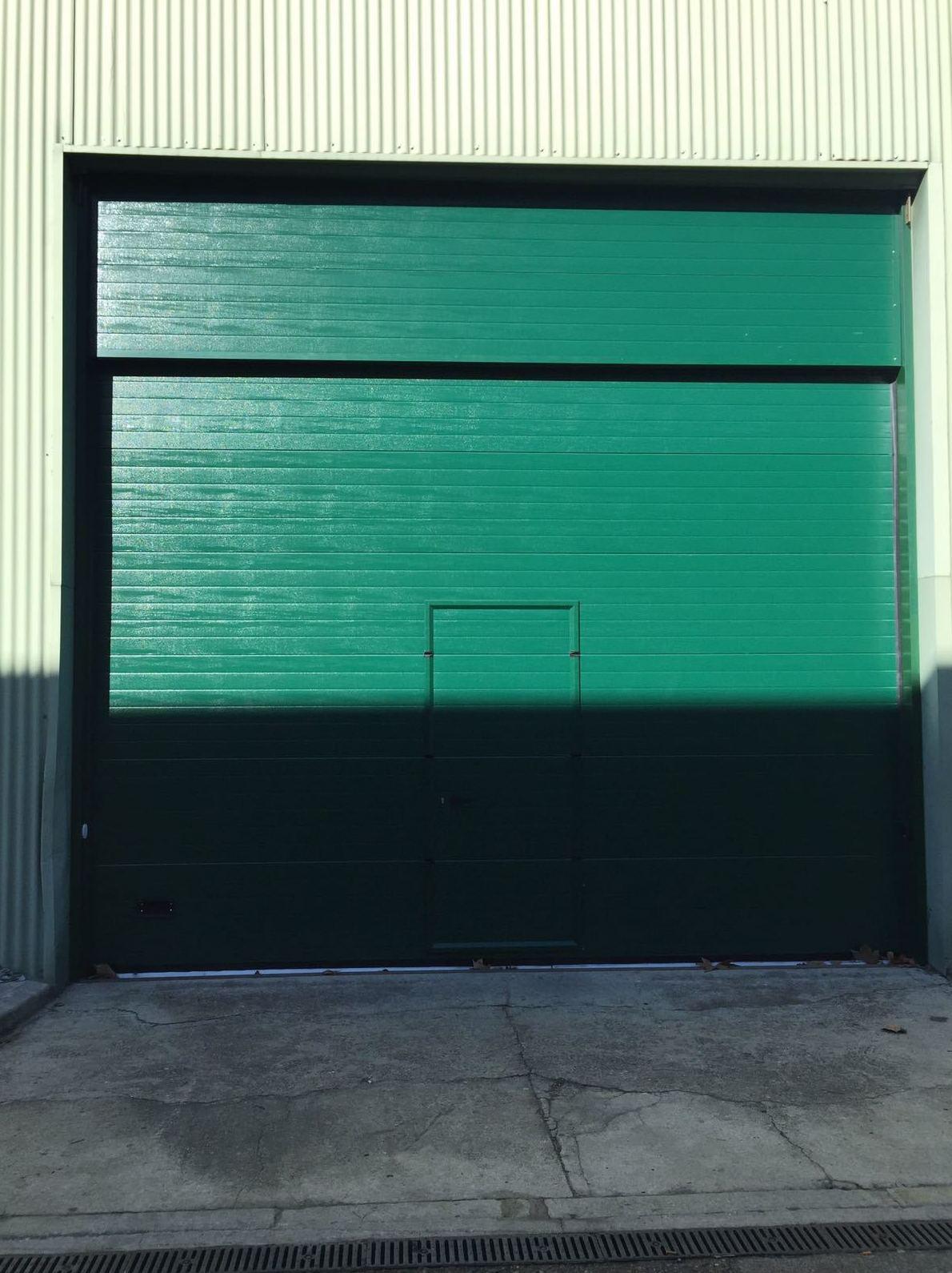 Foto 8 de Carpintería de aluminio, metálica y PVC en Escalona del Alberche | Hierros Y Aluminios Torres