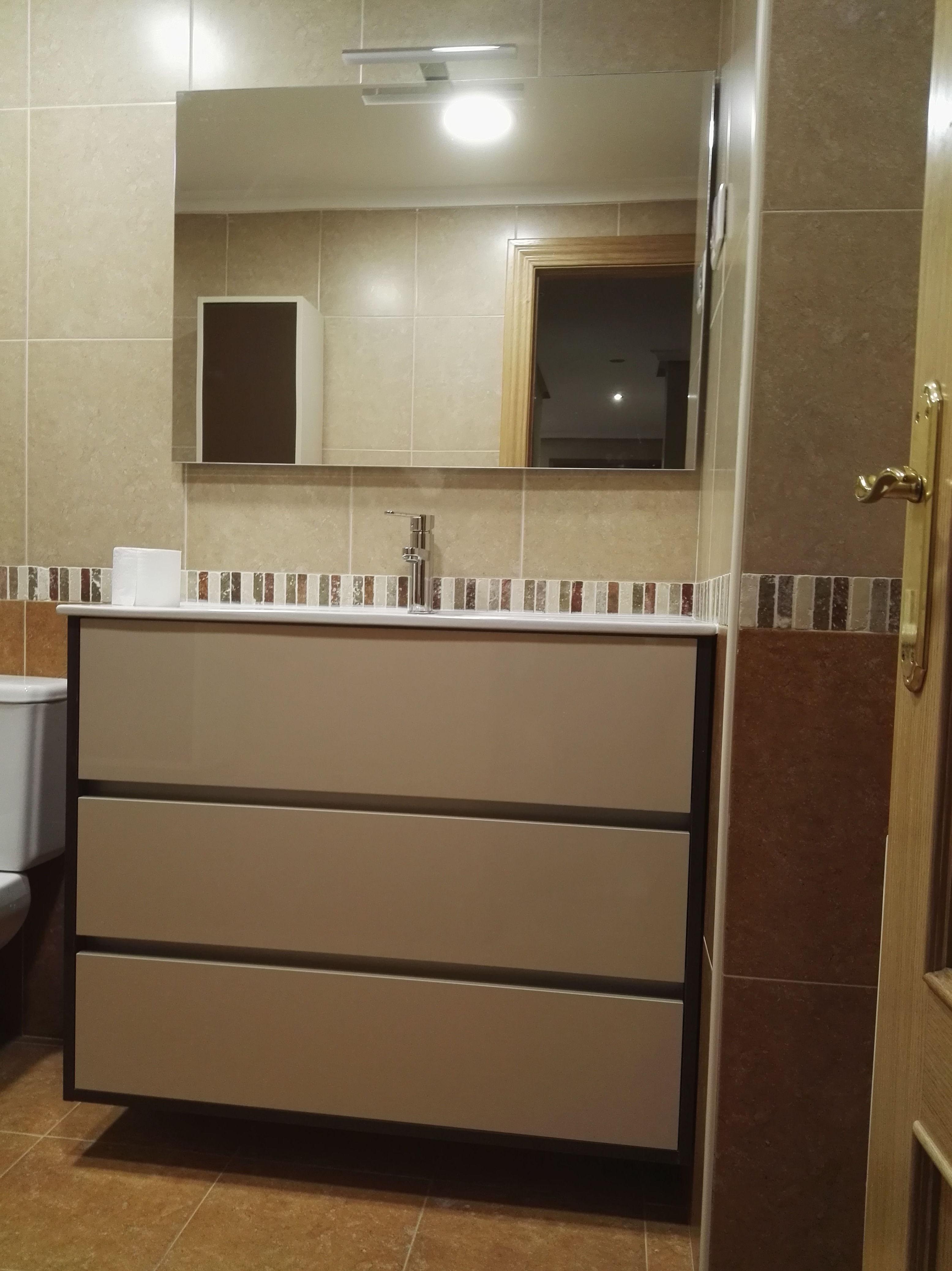 Foto 15 de Reformas en baños y cocinas en Trobajo del Camino | F. Alba, cocinas y baños