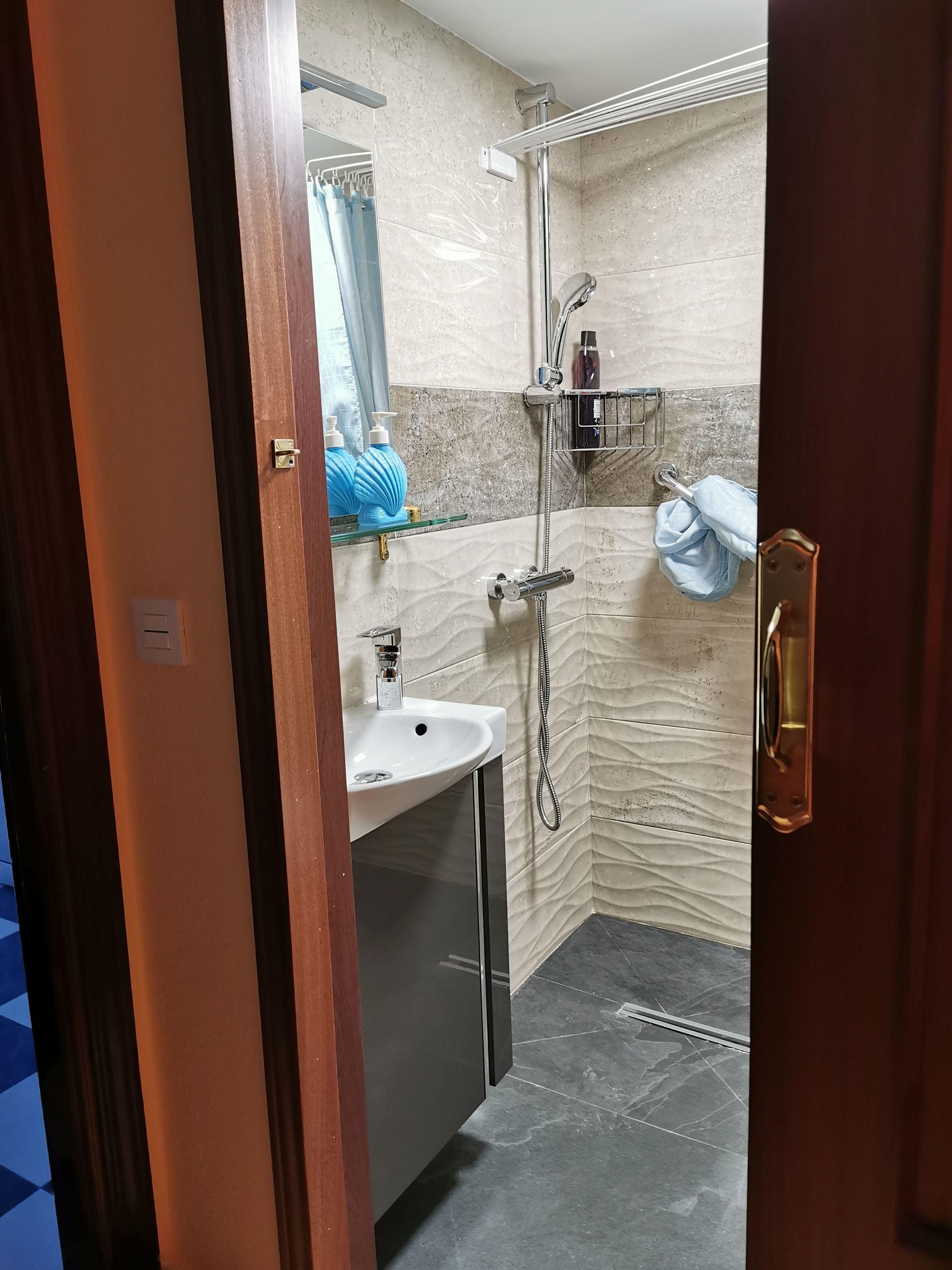 Foto 16 de Reformas en baños y cocinas en Trobajo del Camino | F. Alba, cocinas y baños