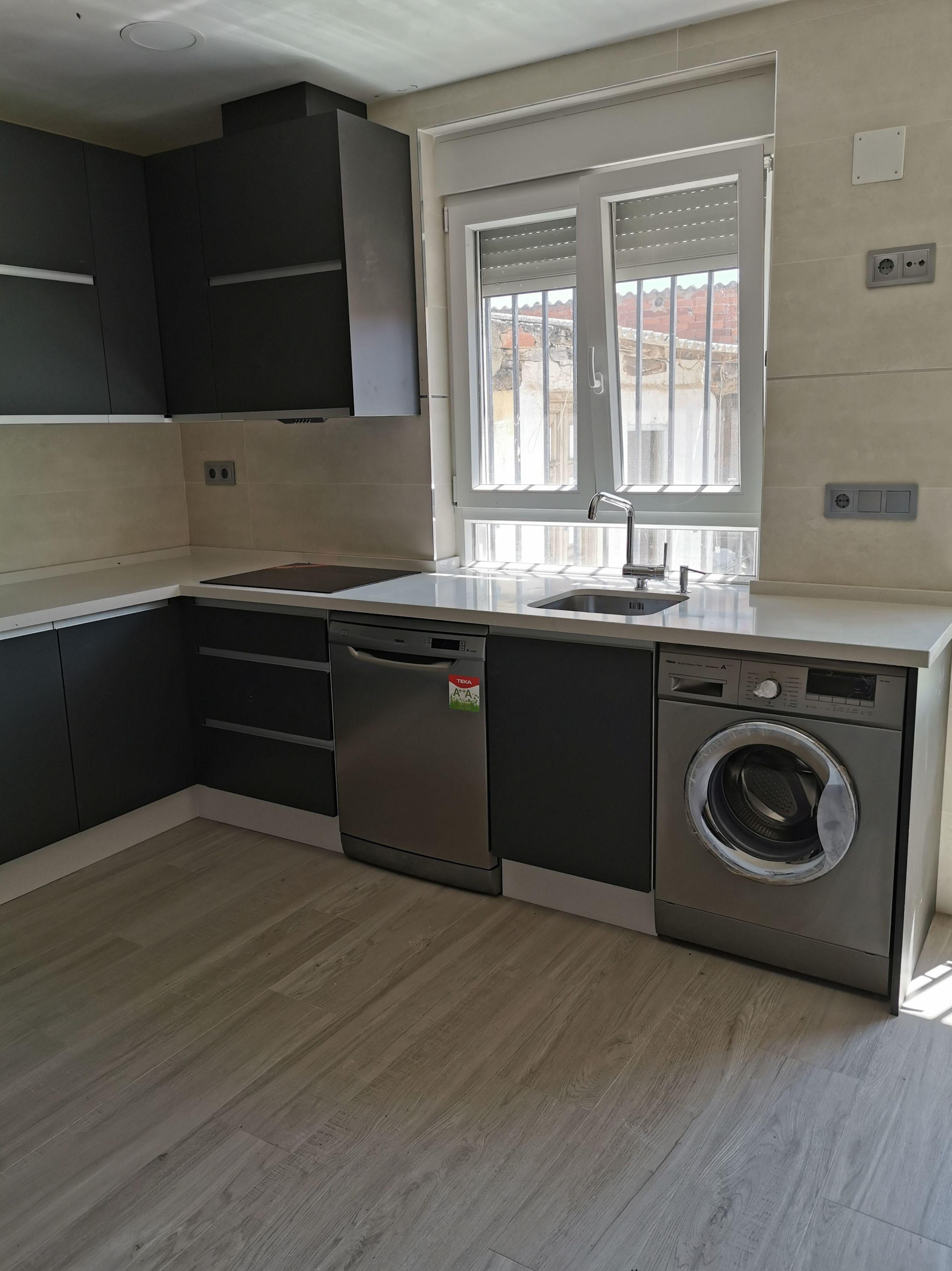 Foto 9 de Reformas en baños y cocinas en Trobajo del Camino | F. Alba, cocinas y baños