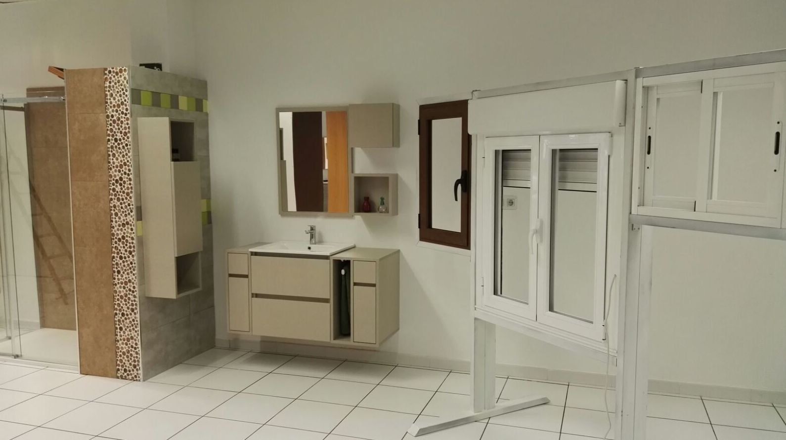 Amplia variedad de muebles para baño