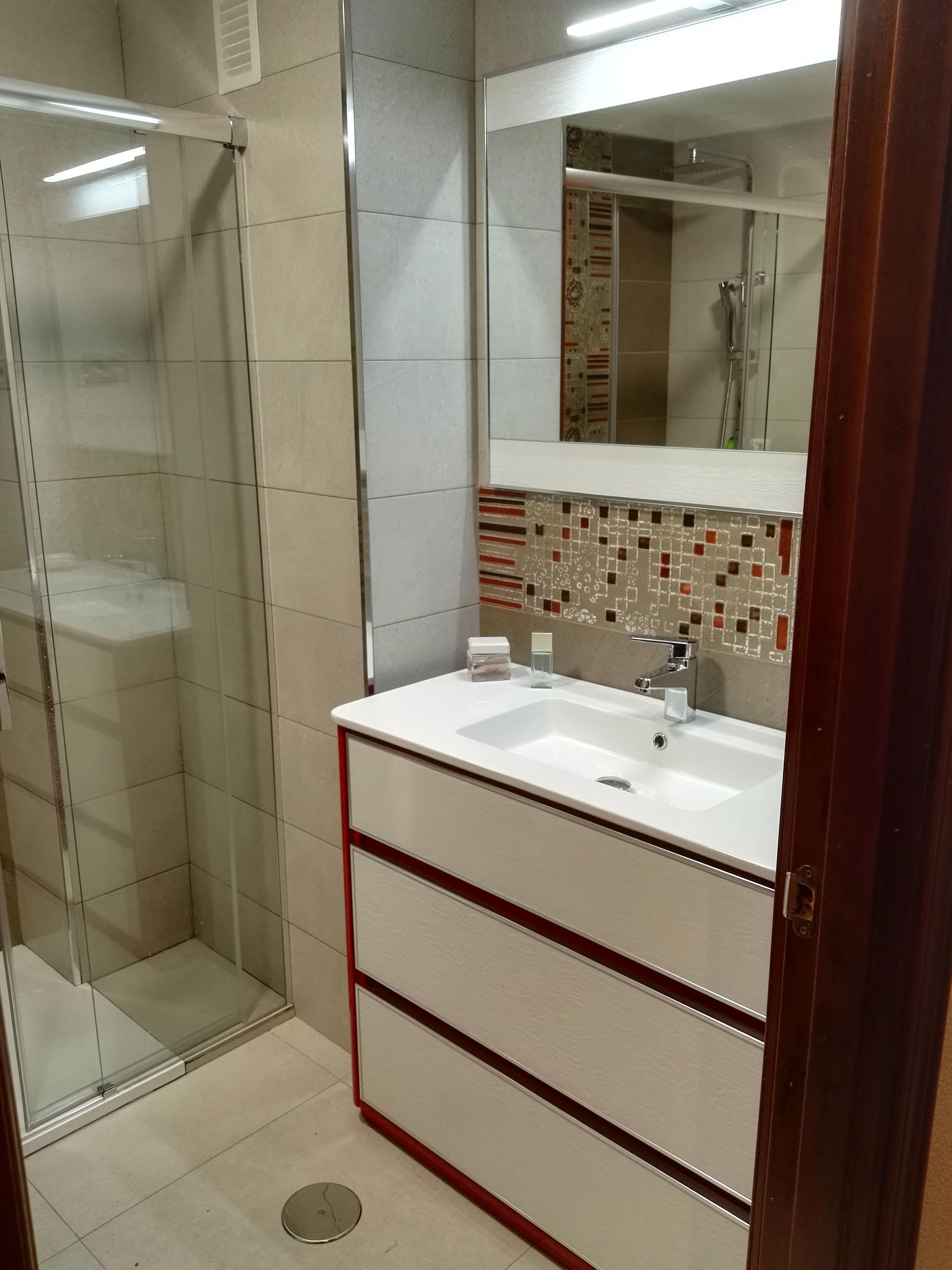 Foto 61 de Reformas en baños y cocinas en Trobajo del Camino   F. Alba, cocinas y baños