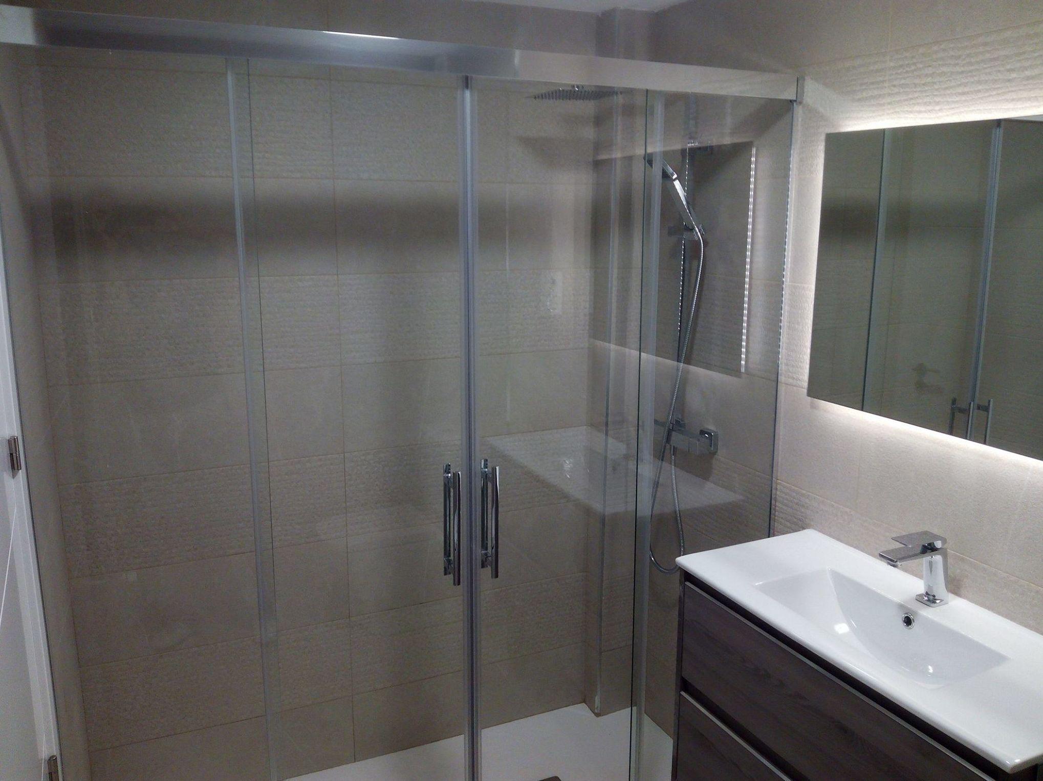 Foto 36 de Reformas en baños y cocinas en Trobajo del Camino | F. Alba, cocinas y baños