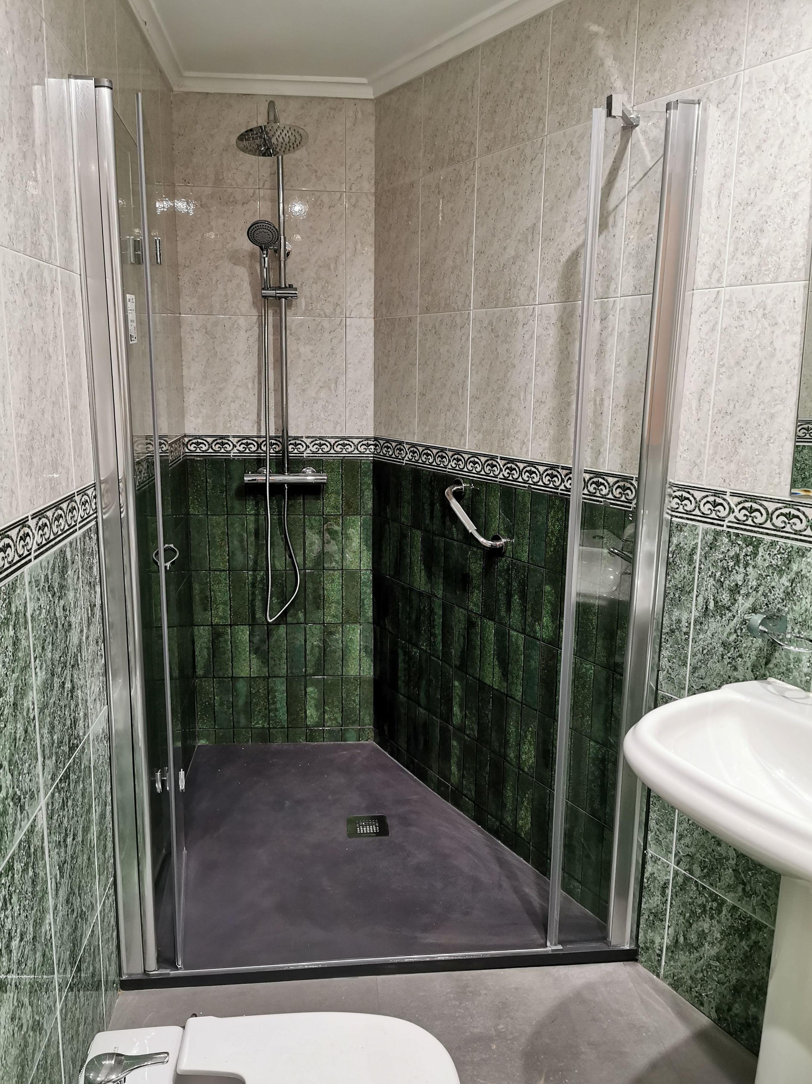Foto 12 de Reformas en baños y cocinas en Trobajo del Camino | F. Alba, cocinas y baños