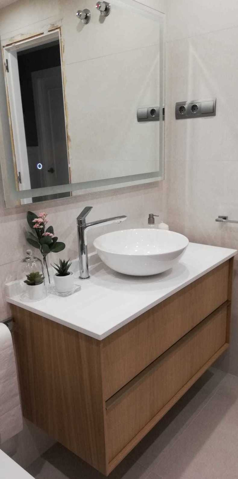 Foto 1 de Reformas en baños y cocinas en Trobajo del Camino | F. Alba, cocinas y baños