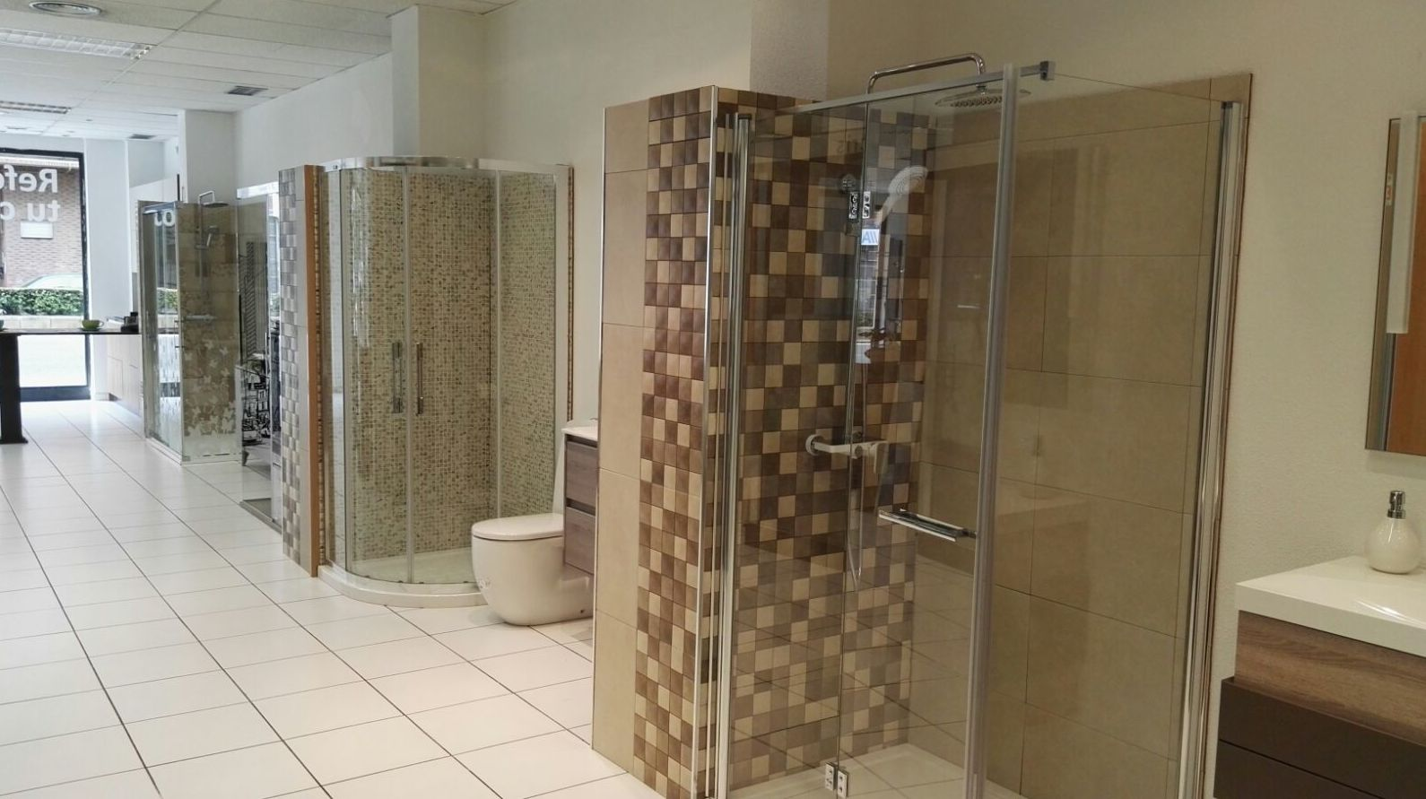 Accesorios y muebles para el baño en León