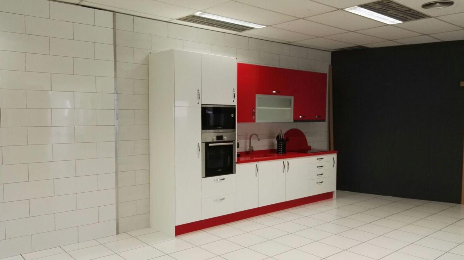 Foto 6 de reformas en ba os y cocinas en le n f alba for Muebles cocina leon
