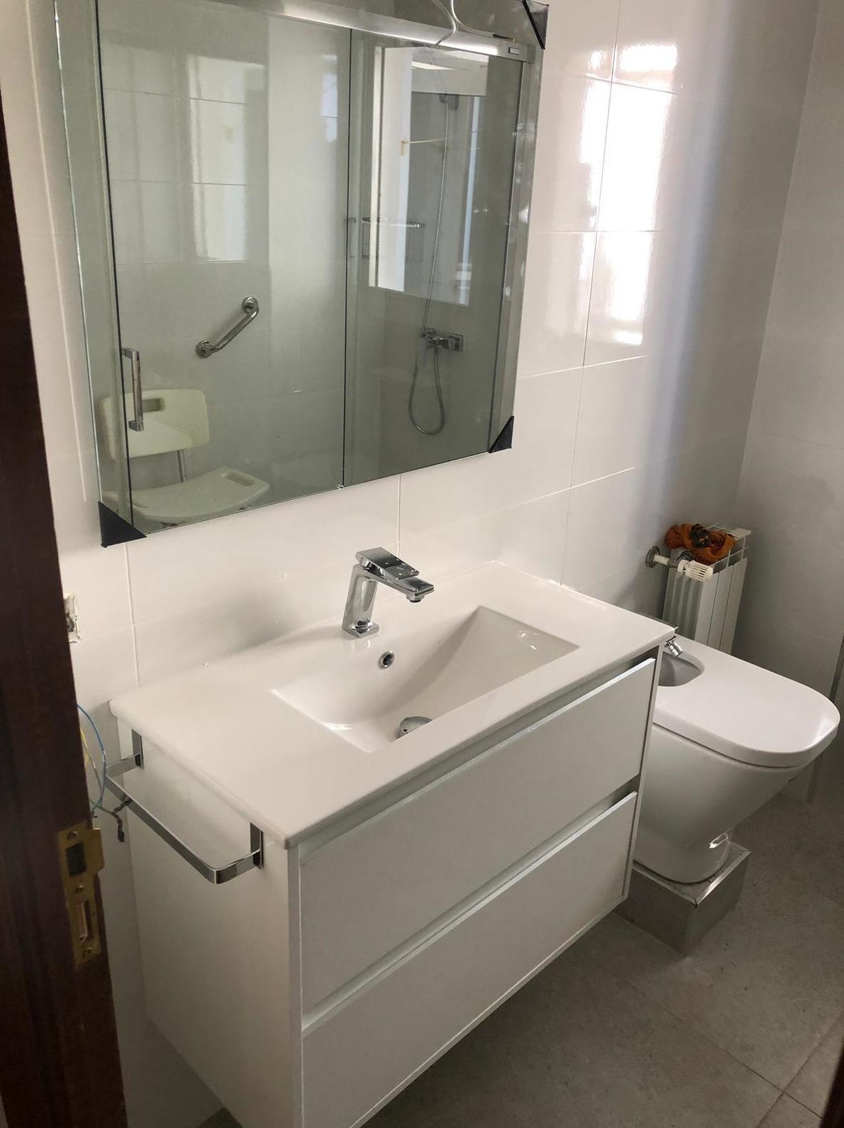 Foto 39 de Reformas en baños y cocinas en Trobajo del Camino | F. Alba, cocinas y baños