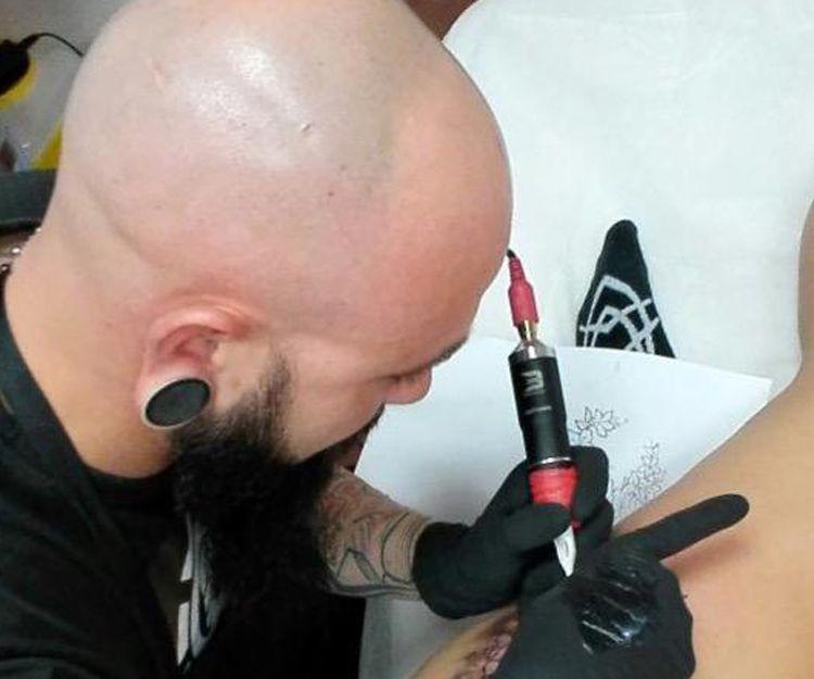 Profesionales tatuadores