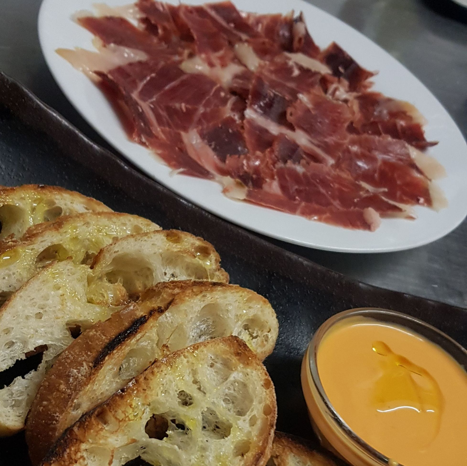 Foto 18 de Restaurante en Alcalá de Henares | Restaurante Skrei Noruego