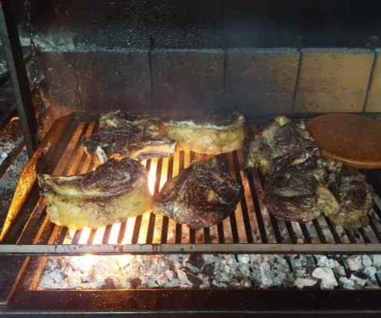 El mejor restaurante con carnes a la brasa de Sitges
