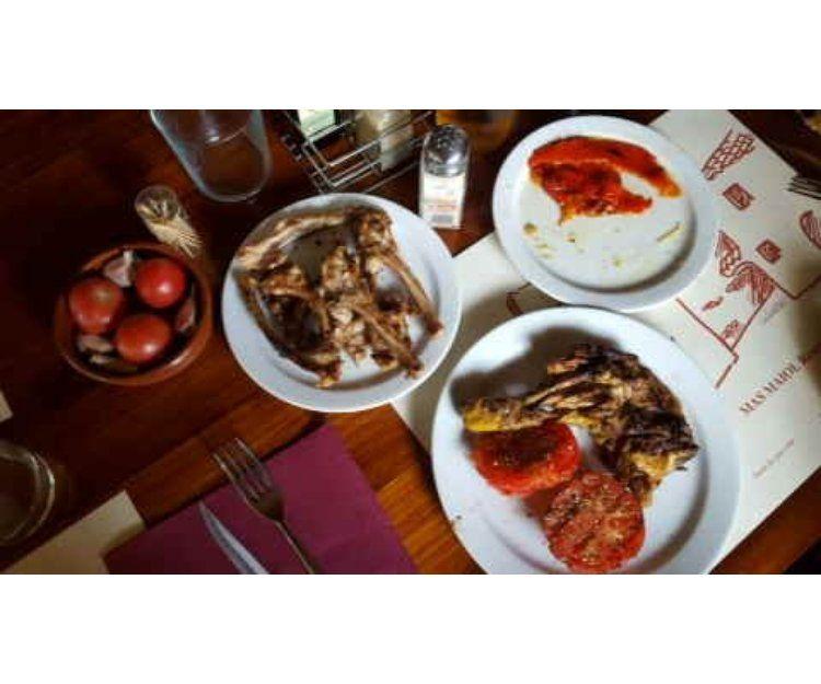 Parrilla de carnes típicas de caza en Sitges