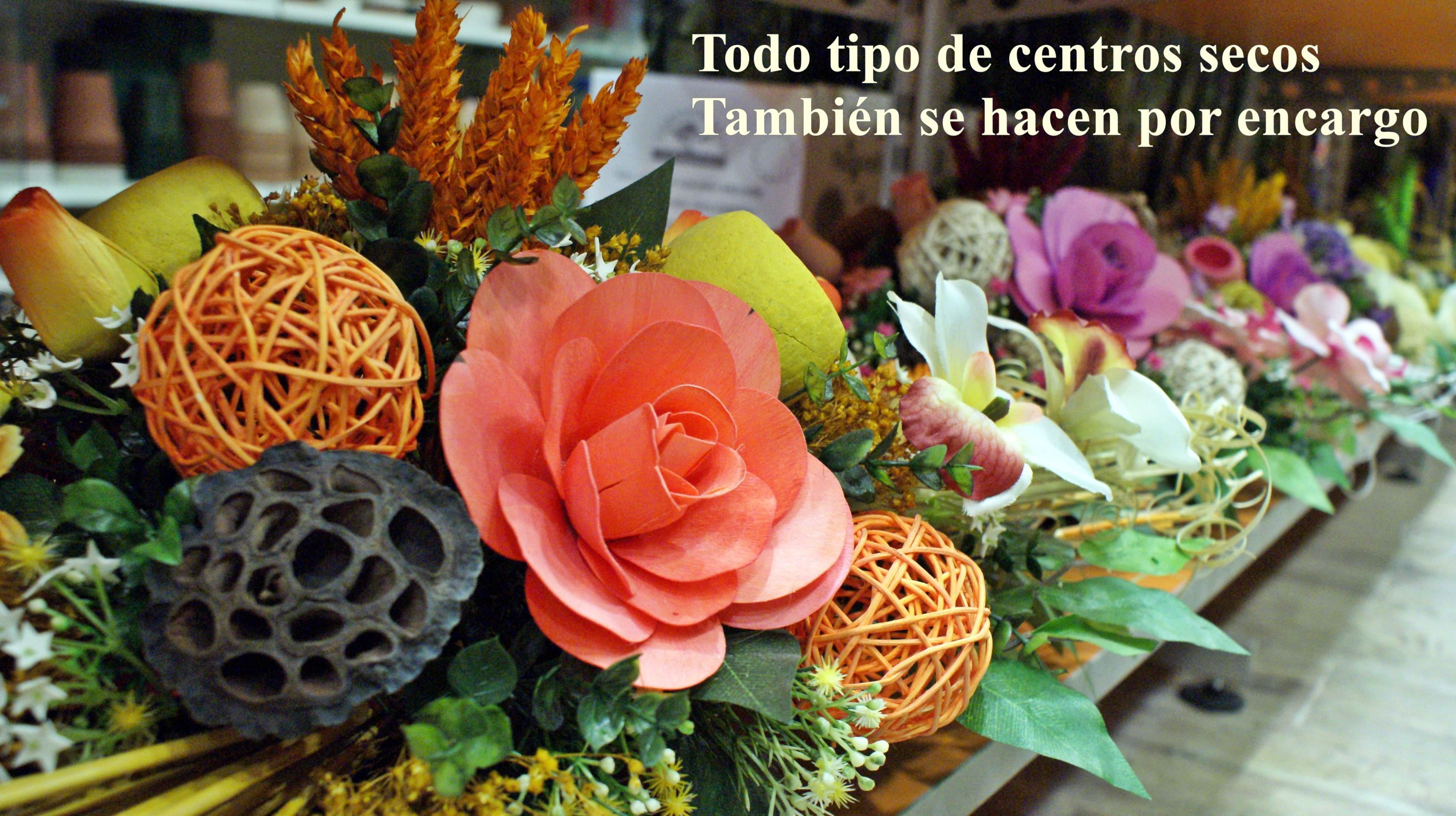 Centros de flor seca ideal para adornar cualquier hogar: PRODUCTOS Y SERVICIOS  de Floristería Contreras - BARTOLOMÉ CONTRERAS