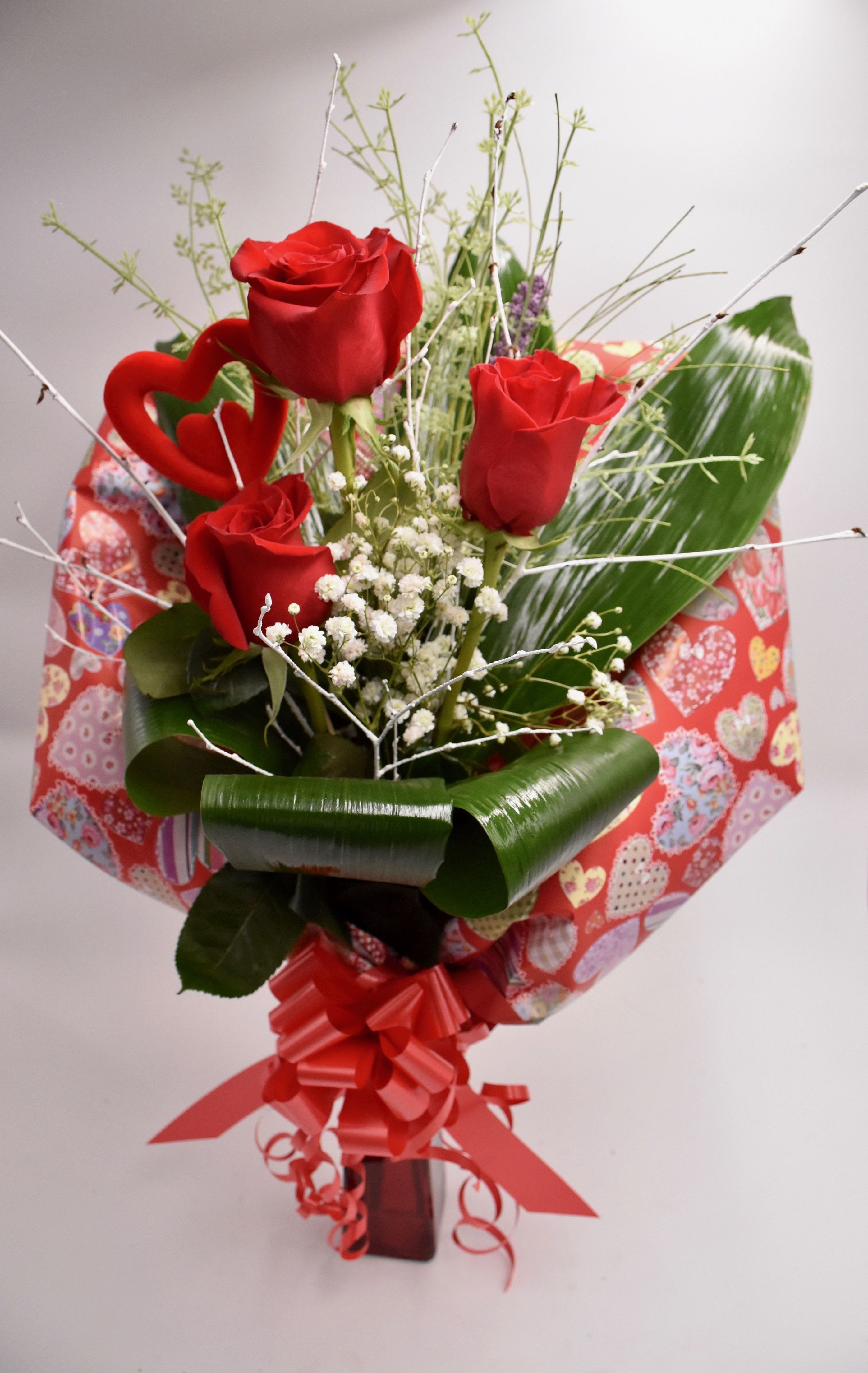 Jarrón 3 rosas:  de Floristería Contreras