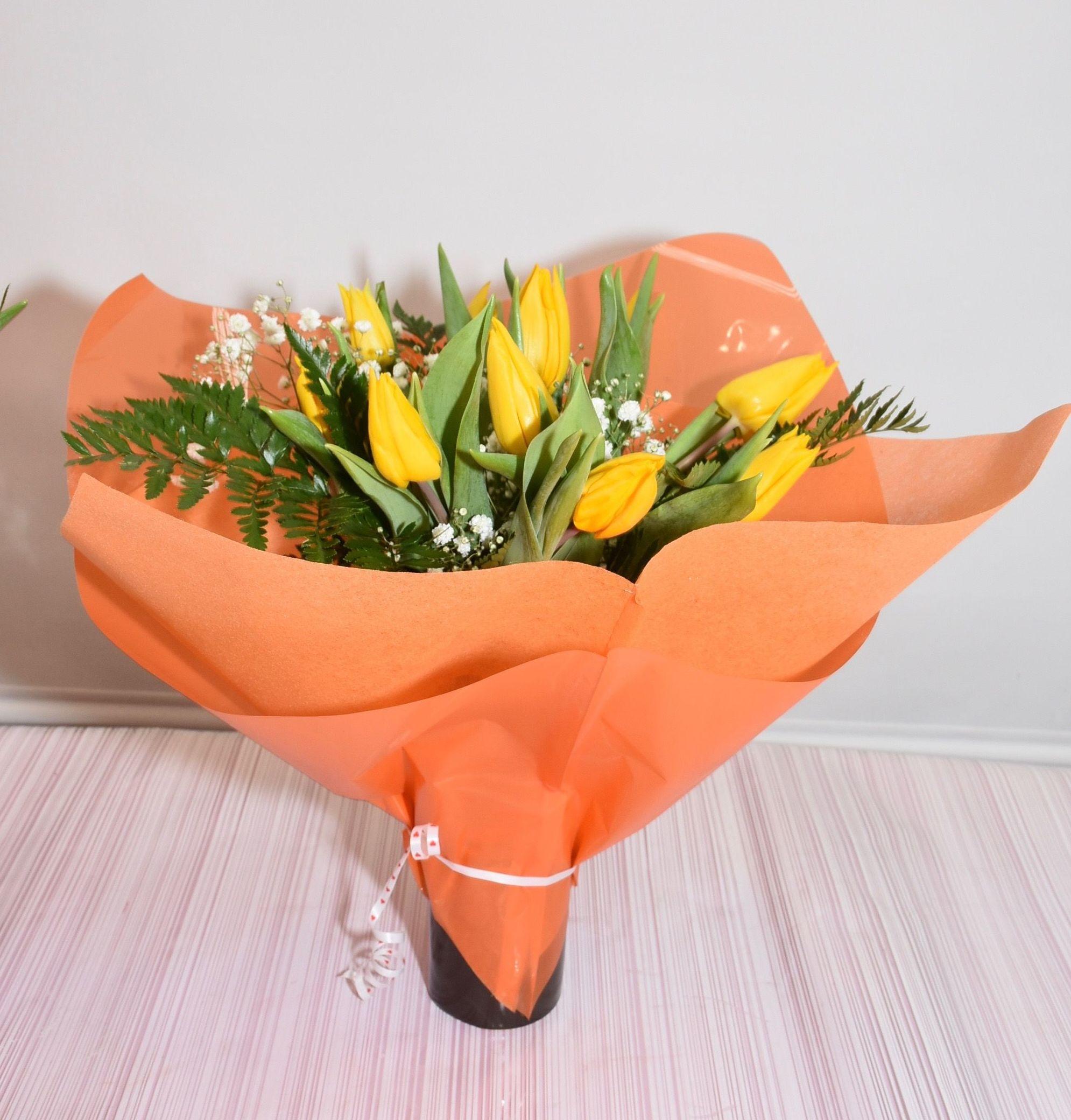 Buquet tulipanes: PRODUCTOS Y SERVICIOS  de Floristería Contreras - BARTOLOMÉ CONTRERAS