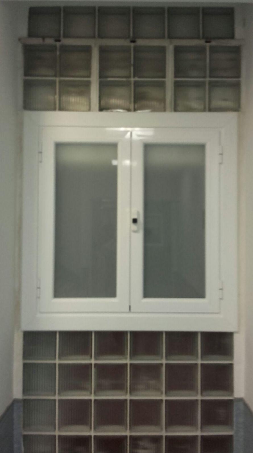 ventana con manilla desmontable