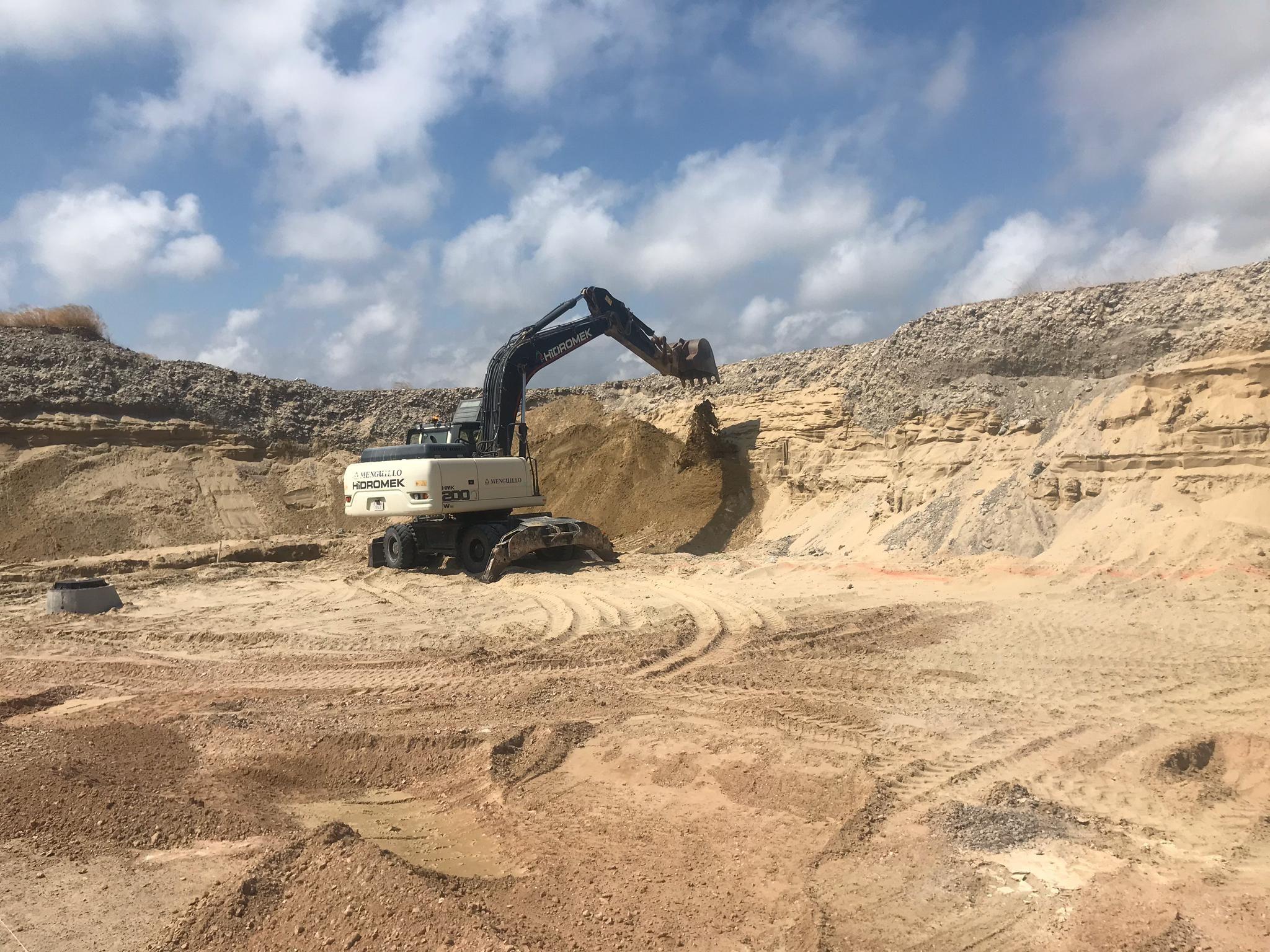 Foto 14 de Excavaciones en Castellón | Grupo Menguillo