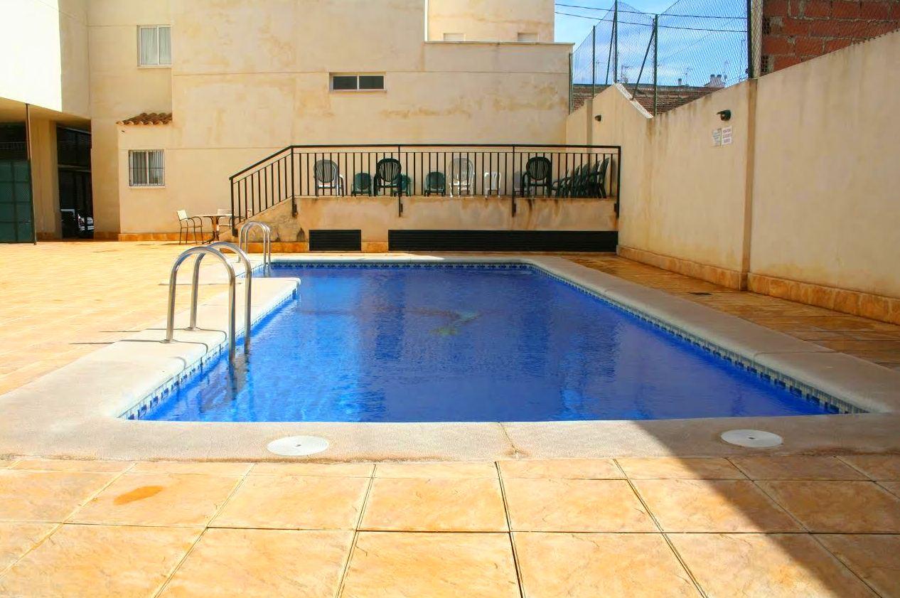 Complejo de apartamentos turísticos con piscina en Murcia