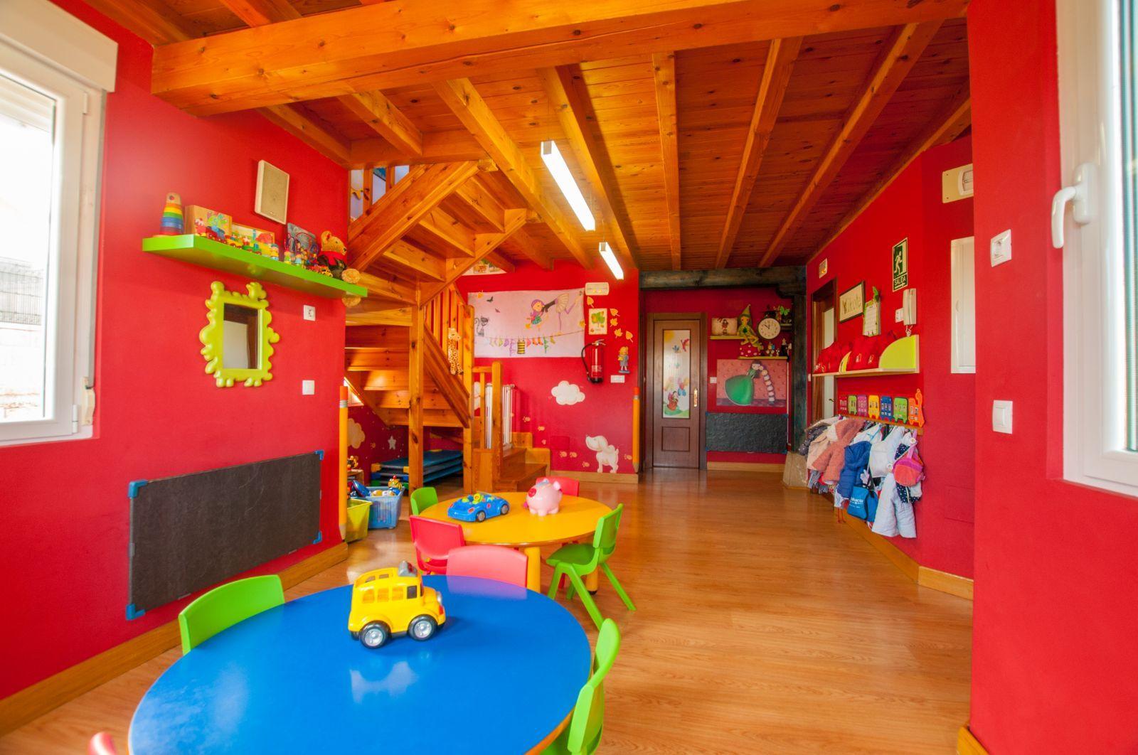 Foto 74 de Guarderías y Escuelas infantiles en Herrera de Camargo - Santander | Guardería Mikole